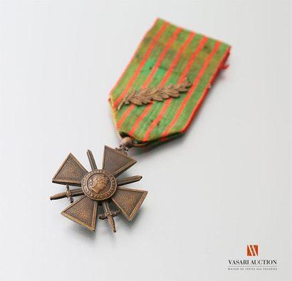 France: croix de guerre 1914-1917, ruban...