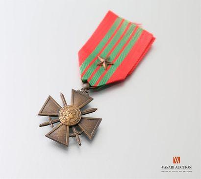 France: croix de guerre 1939, ruban avec...