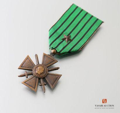 France - Croix de guerre 1939-1940, ruban...