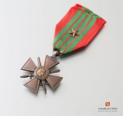 France - Croix de guerre type 1939, non datée...