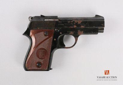 Pistolet semi automatique UNIQUE Hendaye...
