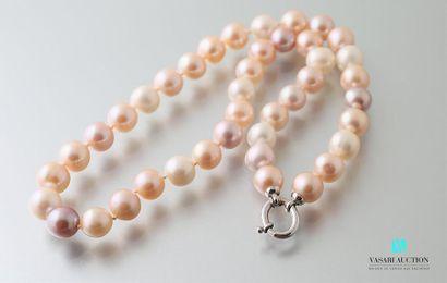 Collier choker en perles en camaieu rose,...