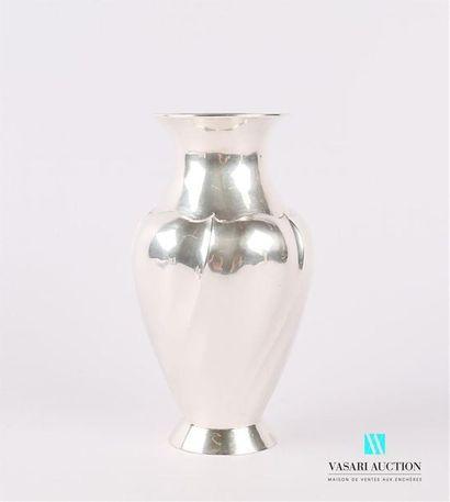 Vase de forme balustre en argent 900 millièmes...