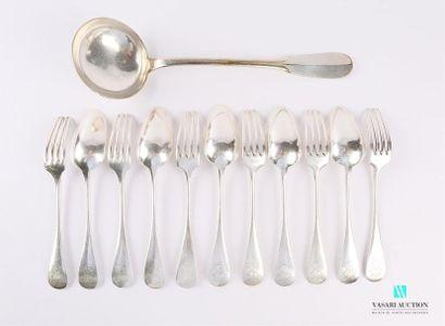 Suite de cinq couverts de table et une fourchette...