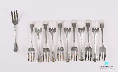 Suite de douze fourchettes à gateau en argent,...