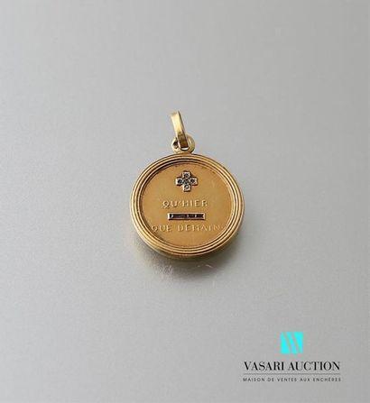 Médaille d'amour en or jaune 750 millièmes...