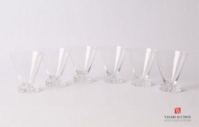 SAINT-LOUIS Suite de six verres à porto en...