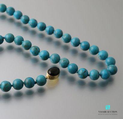 Collier de perles de turquoise naturelles...