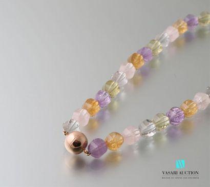Collier Melon constitué de perles facetées...