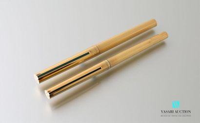 DUPONT Un stylo à bille et un stylo plume...