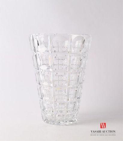 Vase en cristal à décor de pastilles dans...
