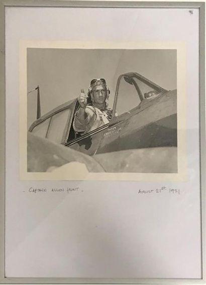 Photographie. Captain Allen HUNT. Photo en...