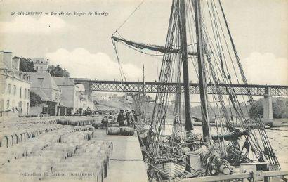 """42 CARTES POSTALES VIE ET TRAVAIL A LA MER : Finistère. Dont"""" La Pointe du Raz-Le..."""