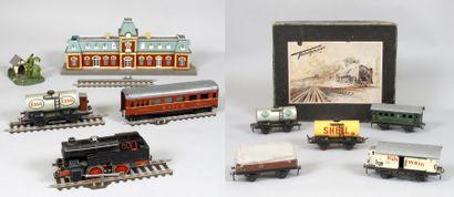TRAINS & ACCESSOIRES : Ensemble de Rails,...