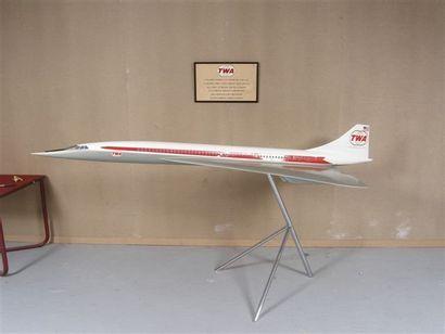 MAQUETTE : Concorde TWA, soclé chromé et...