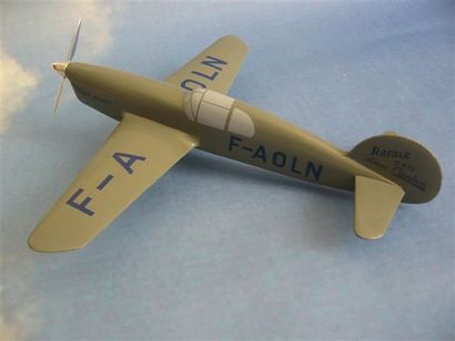 Caudron C-690. Maquette en bois de l'avion...