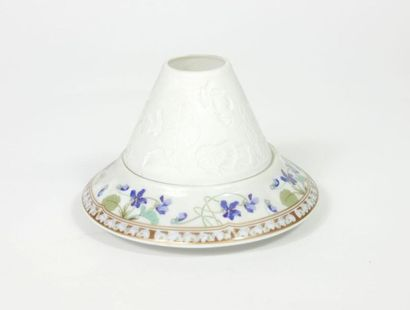 HAVILAND Limoges,  Photophore en porcelaine...