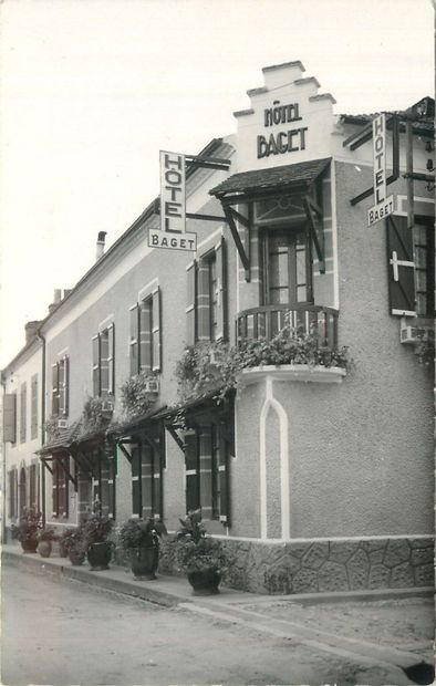 """82 CARTES POSTALES LES HOTELS : Divers Départements Province. Dont"""" Bourg-Grand..."""