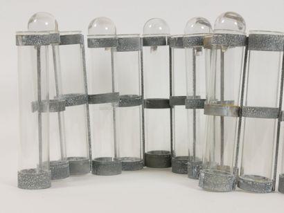 TSE-TSE  Vase d'avril composé de 21 tubes en verre et acier.  Hauteur: 15 cm  (Petits...