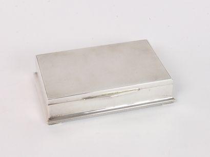 Boîte à cigarettes en argent (835/1000e),...