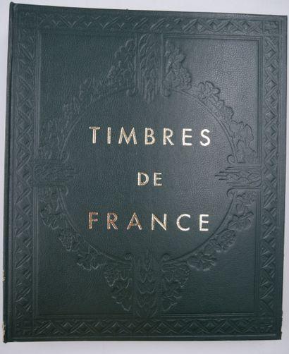 °/*. 4 Albums.  1 Album France et 3 Albums Europe & Divers + Important stock de...