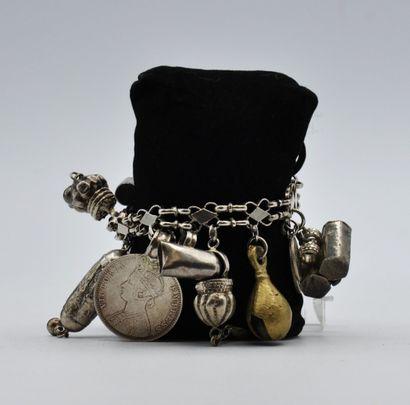 Bracelet charms Indo-portugais en argent...