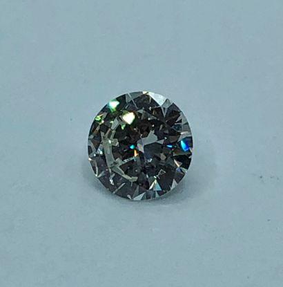 Diamant sur papier de forme ronde et de taille brillant pesant 2.01 ct.    Diamant...