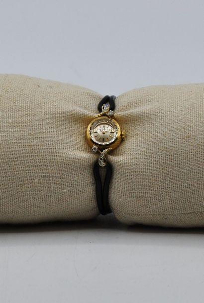 OMEGA  Montre bracelet de dame en argent doré 925 millièmes et petits brillants,...