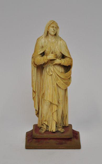 Vierge de Calvaire en ivoire sculpté, dos...