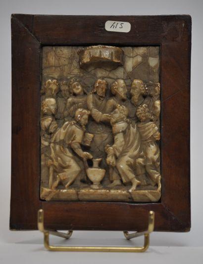 Plaque en albâtre sculpté en bas-relief...