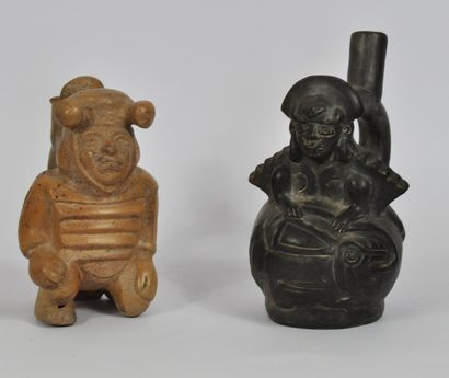 PEROU, Culture Mochica vers 1980  Deux vases...