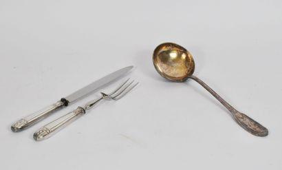 Service à découper en métal argenté comprenant...