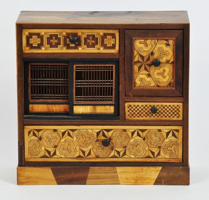 Boîte cage à grillons en bois et marqueterie...