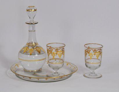 Service à eau en cristal à décor de filets,...