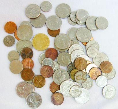 Fort lot de Monnaies Etrangères. Diverses...