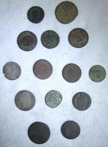 Ensemble de 14 Monnaies Royales et Divers....