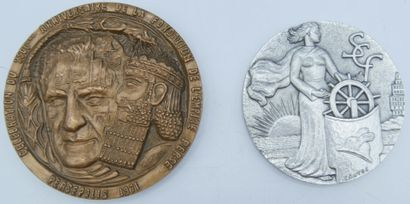 2 Médailles de table :  Célébration du 2500eme...