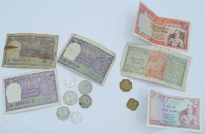 Monnaies Asie (31 et 6 billets). Divers Pays,...