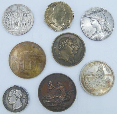 2 Monnaie et 6 Médailles. Argent, Bronze...