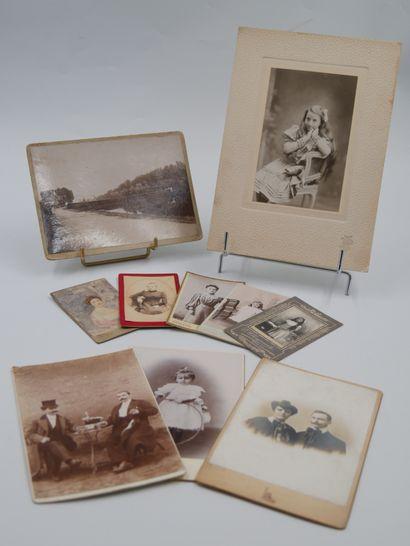 40 Photographies sur Carton.  Dont