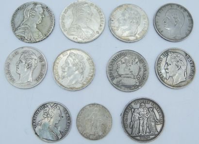 11 Monnaies Argent, France et Etrangers....