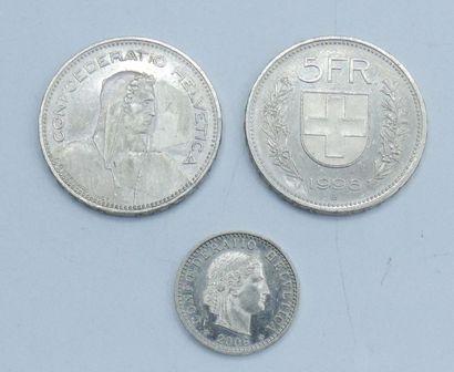 Billets (23) & Monnaies (3). Etrangers.  3...