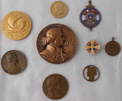 9 MEDAILLES : Civiles et à Divers. Bronze...