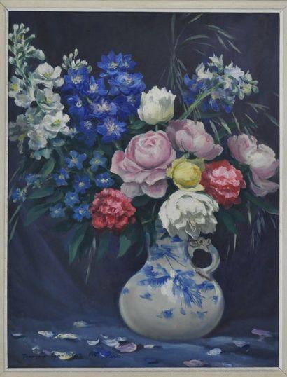 François GAUTHIER. Ecole du XXème siècle.  Pichet au bouquet de fleurs  Huile sur...