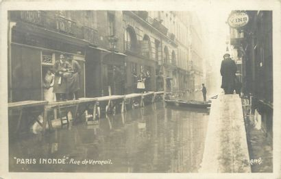 85 CARTES POSTALES INONDATIONS 1910 : Paris...