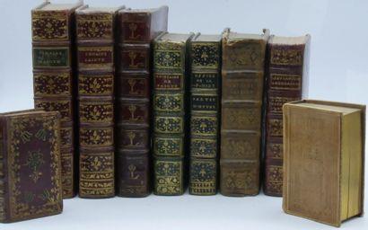 LOT de volumes religieux et divers, la plupart...