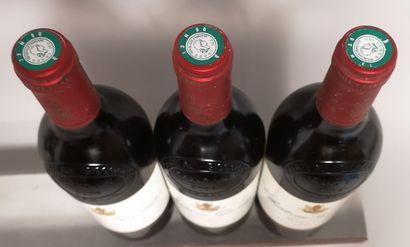 3 bouteilles Château GISCOURS - 3e GCC Margaux 2004 Etiquettes légèrement taché...