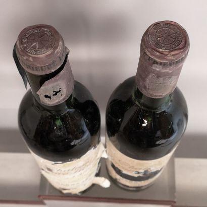 2 bouteilles Château PRIEURE LICHINE 3e Gcc Margaux 1967 Etiquettes tres abimees,...