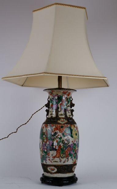 CHINE, Nankin  Vase balustre en porcelaine...