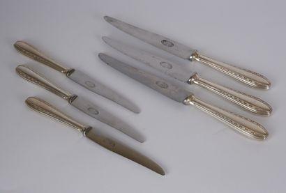 ERCUIS  Suite de 6 grands et 6 petits couteaux...